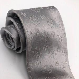 Croft & Barrow Men's Tie Gray Silver Snowflakes